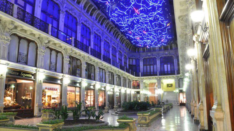 Luci d'Artista alla Galleria Subalpina di Torino