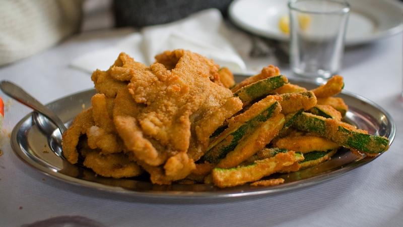 """Fritto misto piemontese, un piatto tipico piemontese tanto """"brutto"""" quanto buono"""