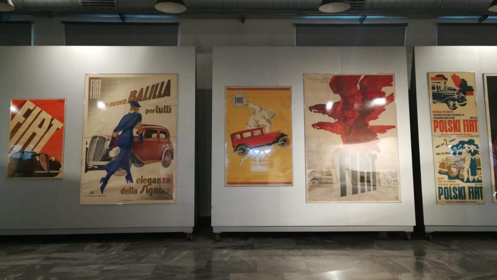 Manifesti pubblicitari FIAT anni 30. Il pezzo forte della mostra